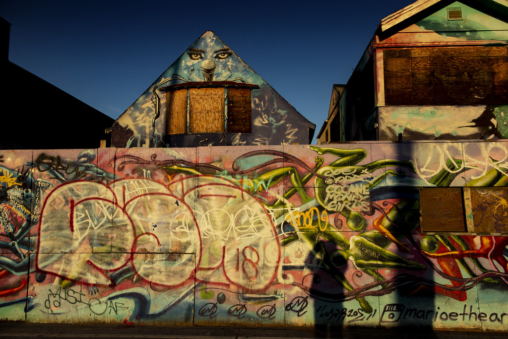A Colourful Derelict Building On Venice Beach, California