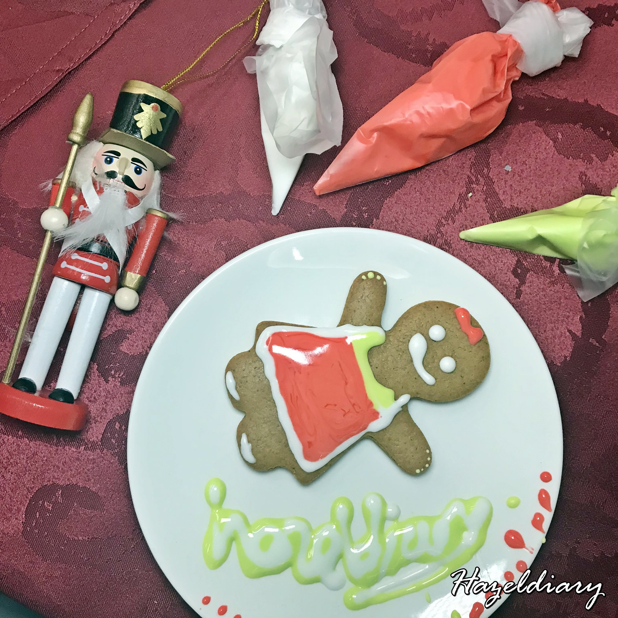 Mercure Bugis Hotel Christmas Circus Santa-Gingerbread man