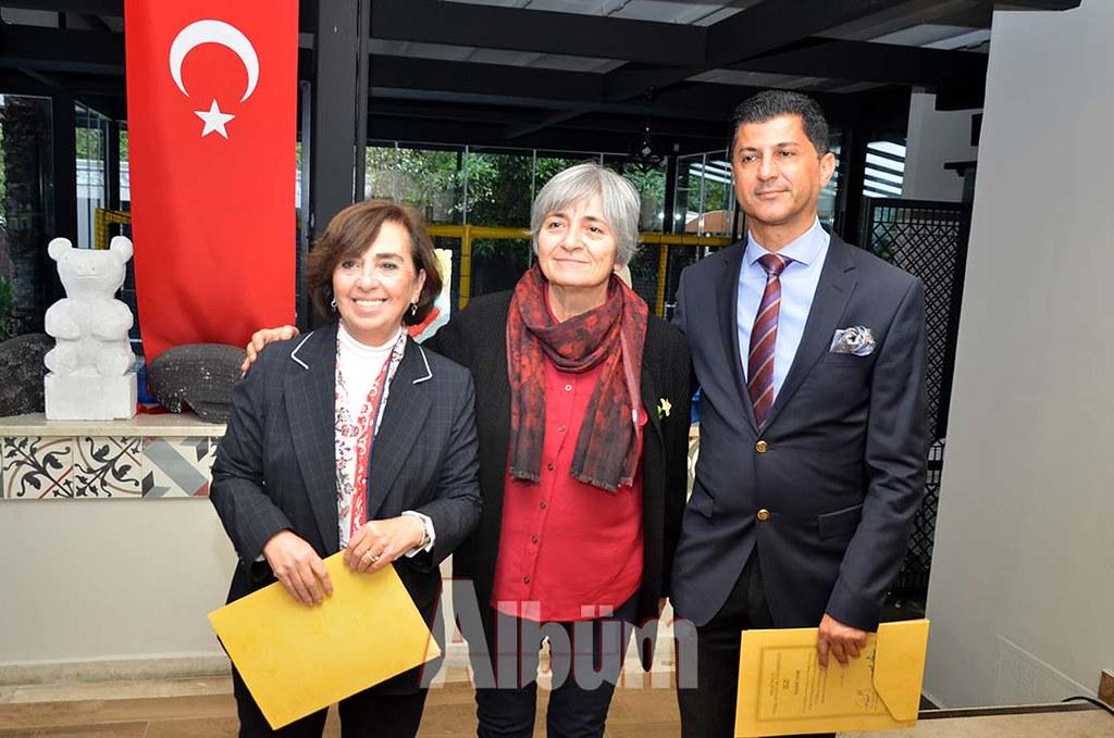 Beyhan-Yönetim,-Fatma-Akyürek,-Nazmi-Uyar