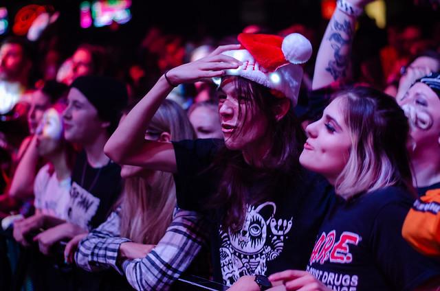 Crowd-9827