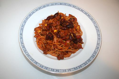 01 - Chili con Carne Spaghetti - Serviert / Served