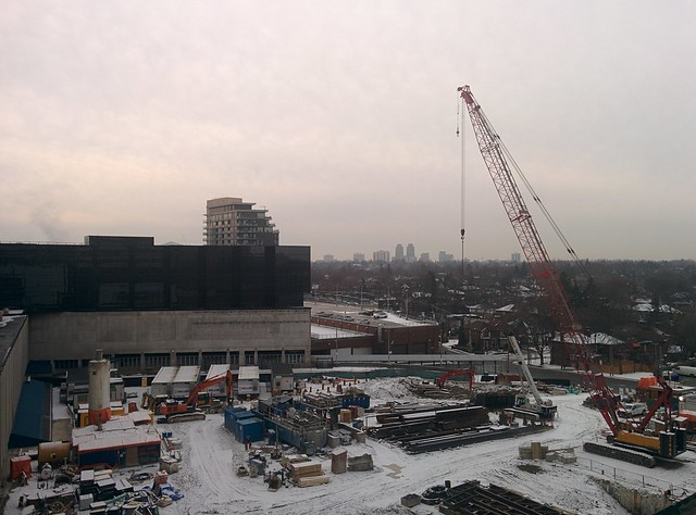Looking southwest #toronto #skyline #yongeeglintoncentre #winter #clouds