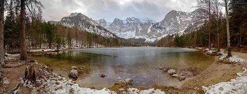 snow ice alps langbathsee brunnkogel höllengebirge ebensee upperaustria austria forest canoneos550d tokinaaf1116mmf28 panorama