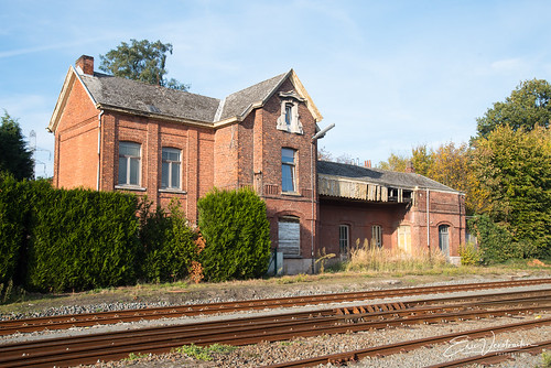 Verloederd station van Langerbrugge 2018-11-04-2