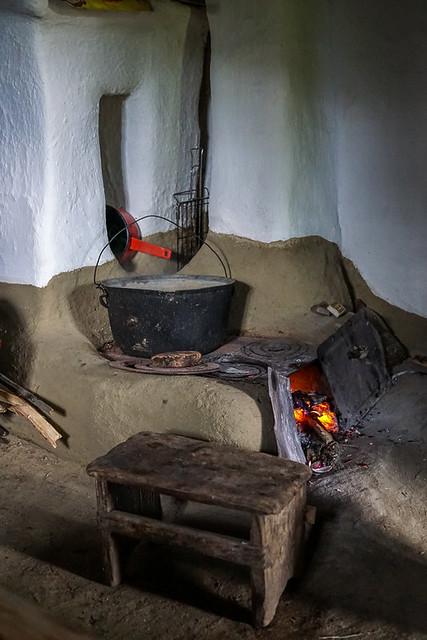 Earthen stove