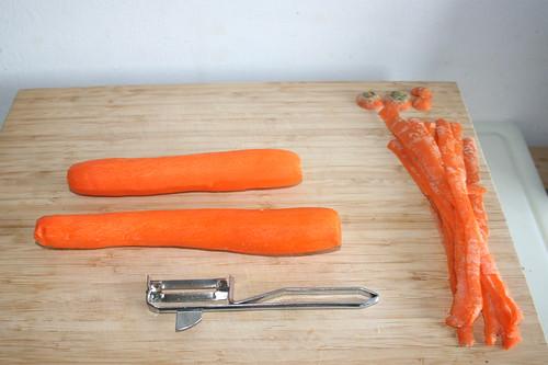 47 - Möhren schälen / Peel carrots