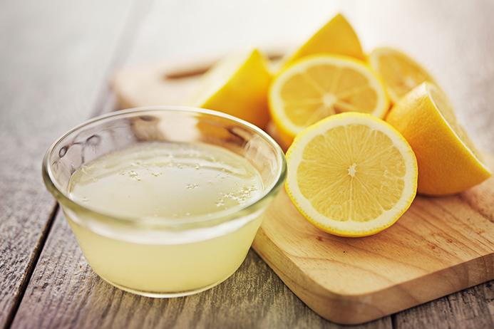 15 Keuntungan Minum Air Lemon Pagi Hari Saat Perut Kosong