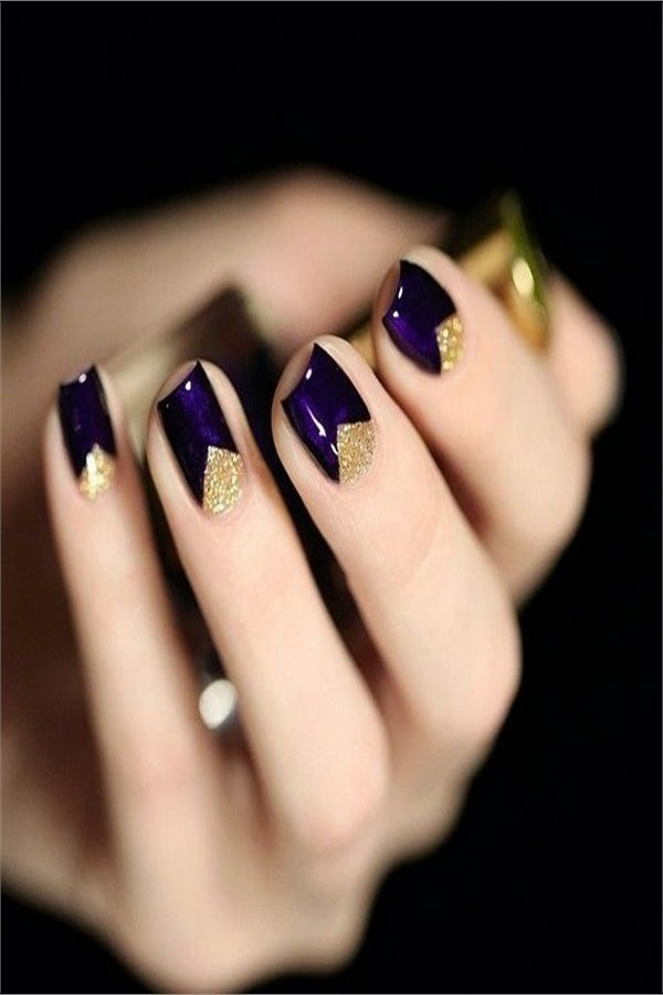 30+ Fabulous Purple Nail Art Designs #Christmas_nails #holiday_nails #nail_art_designs #winter_nails #purple_nails