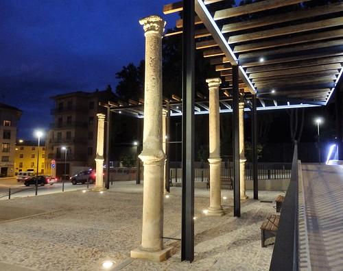 Tarazona, columnas originales Palacio renancentista Eguarás.