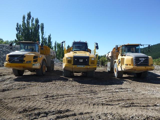 Edridge dump trucks., Panasonic DMC-FT30