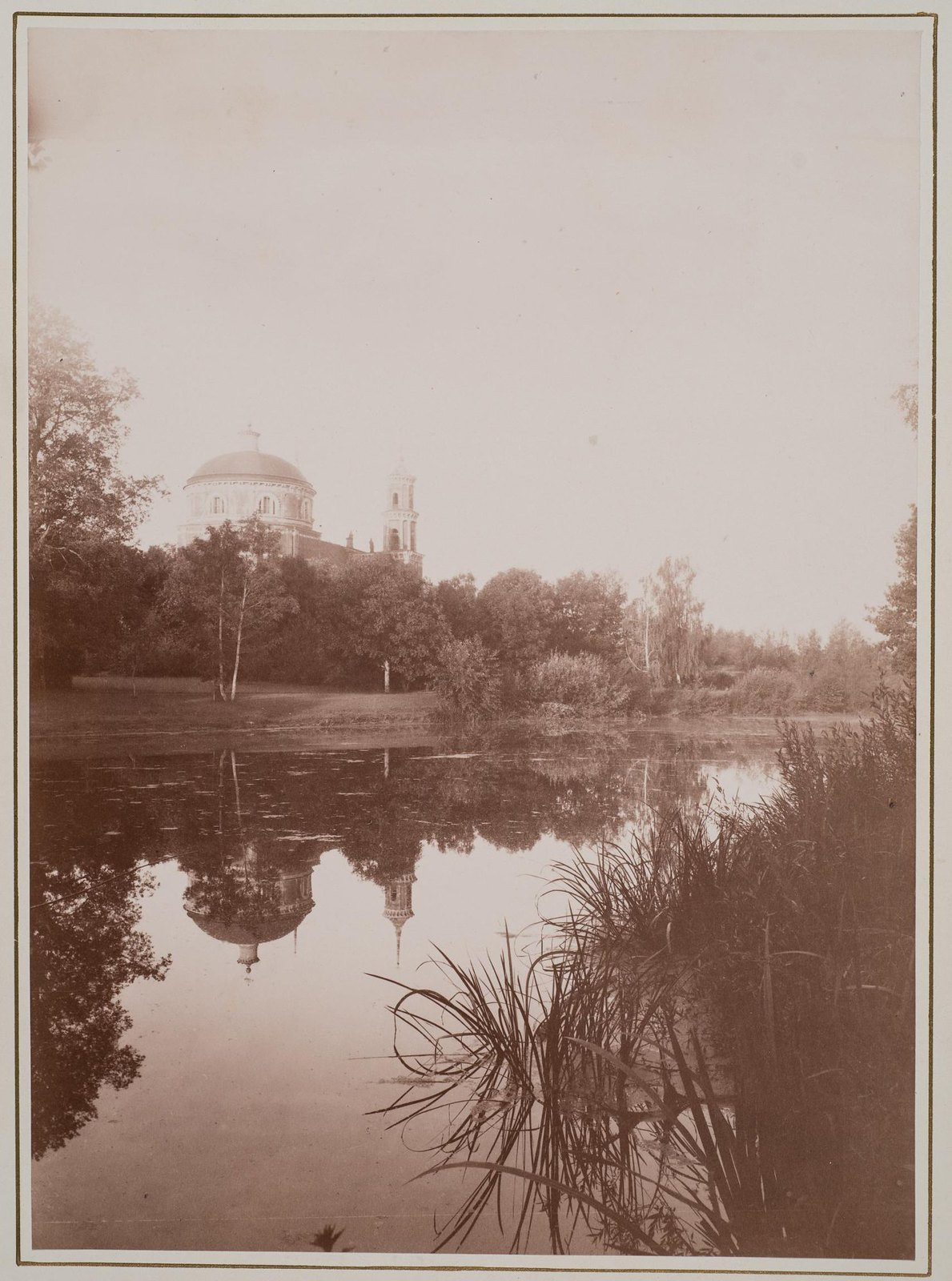 1890-е. Вид Владимирской церкви и пруда в Баловневе
