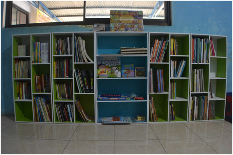 Membangun pojok baca merupakan salah satu upaya meningkatkan minat baca.