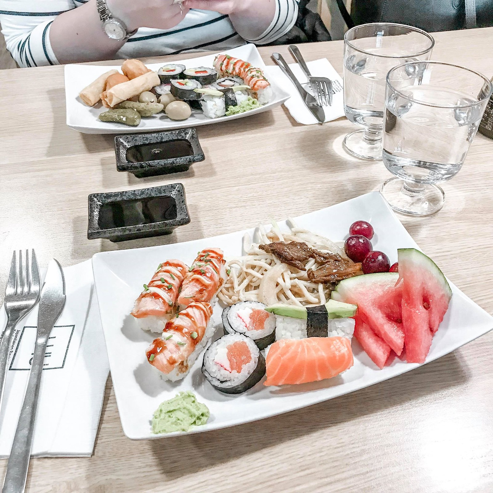 juku sushi lounas