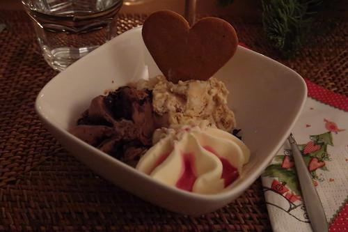 Amarenakirsch-, Schokoladen- und Salted Caramel Eis