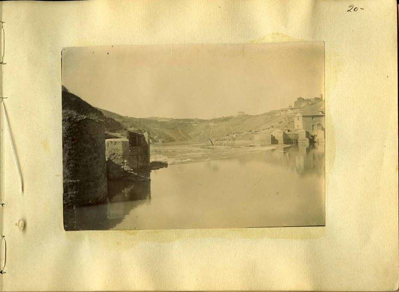 Molinos de Saelices y Río Tajo. Álbum con fotografías de Toledo hacia 1890. Fototeca del Museo del Ejército, signatura MUE 120476