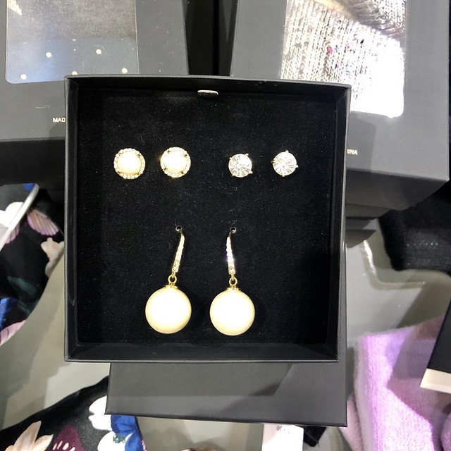 Ann Taylot Gift Boxed Earring Set