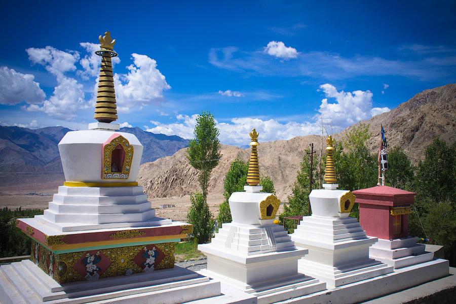 Чортены монастыря Пьянг© Kartzon Dream - авторские туры в Гималаи, тревел фото