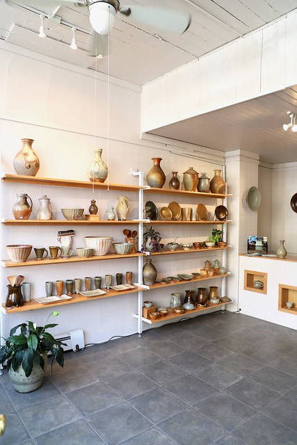 20181110sa-Mineral-Point-Wisconsin-pottery-artists-shops-1920x1080-IMG_6128