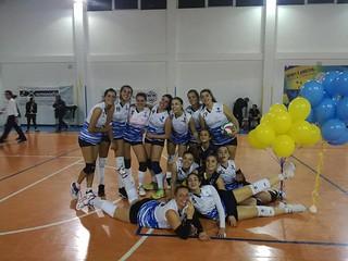 Le ragazze della Maxima volley dopo il successo sul Polignano 1