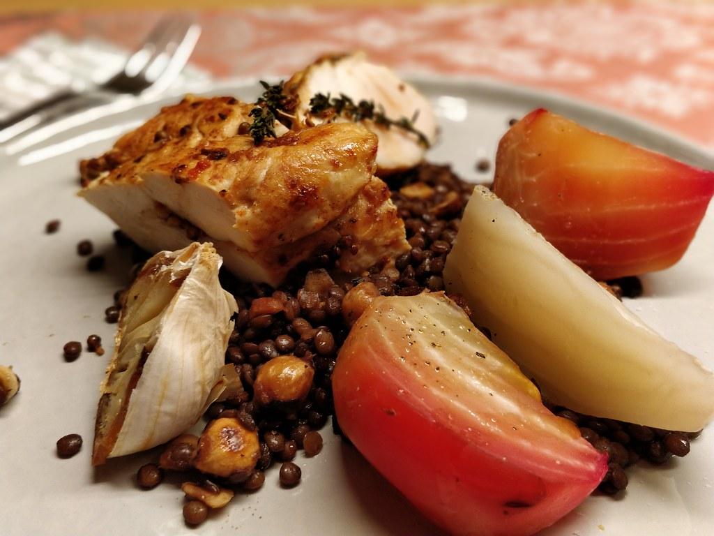 Hendl-Filet mit Linsen und Ofen-Rüben