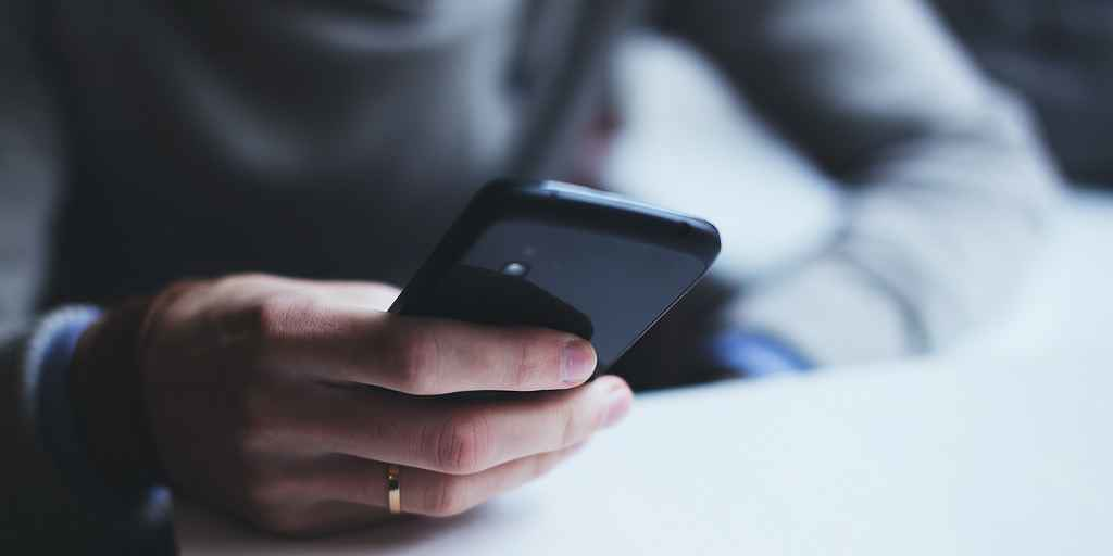 puce-snapdragon-855-ia-5G-smartphone