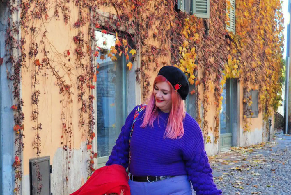 Outfit plus size curvy viola e rosso (5)