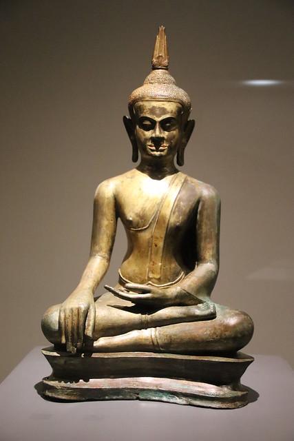 Ayutthaya Art Bronze Buddha, Canon EOS 800D, Sigma 18-200mm f/3.5-6.3 DC OS HSM [II]