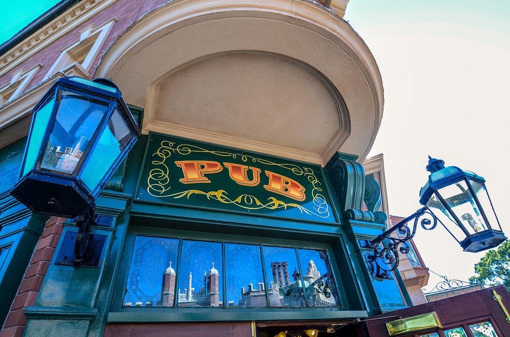 Rose & Crown pub sign Epcot