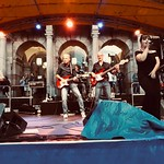 Die Band on stage
