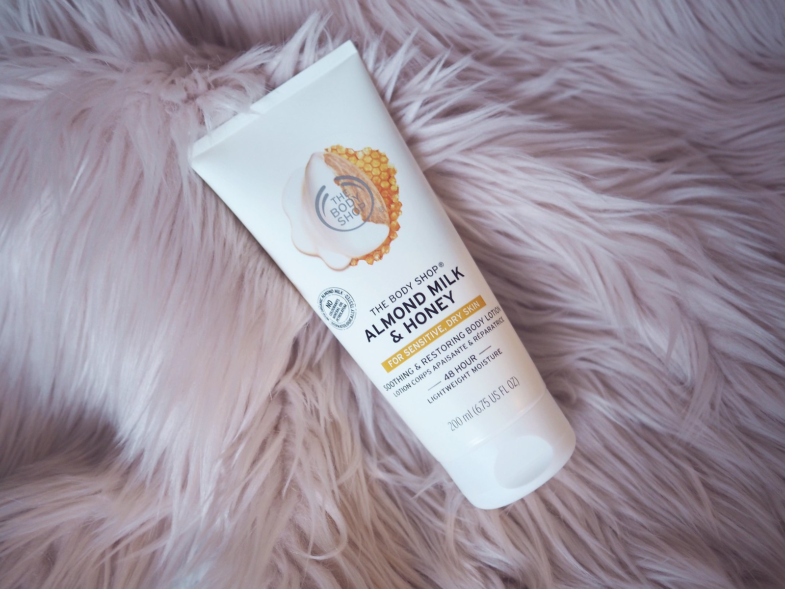 almond milk honey vartalovoide the body shop