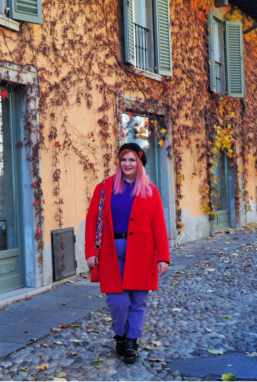 Outfit plus size curvy viola e rosso (9)