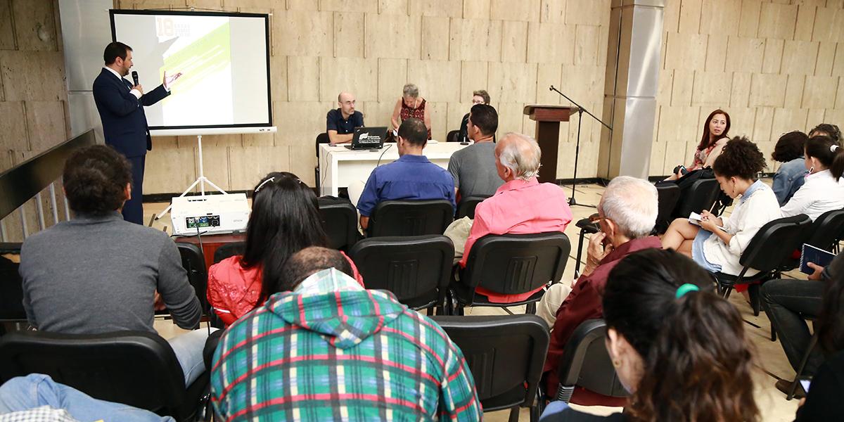 Desde la Cancillería venezolana se reflexiona sobre los desafíos de la izquierda en el contexto global