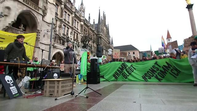 Musikeinlage bei Stoppt Kohle Kundgebung