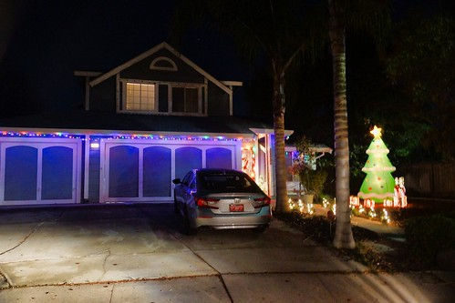 2018-12-19 - Houses with Christmas Decorations