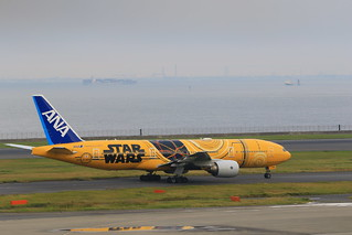 STAR WARS C-3PO ANA JET(B777-200)