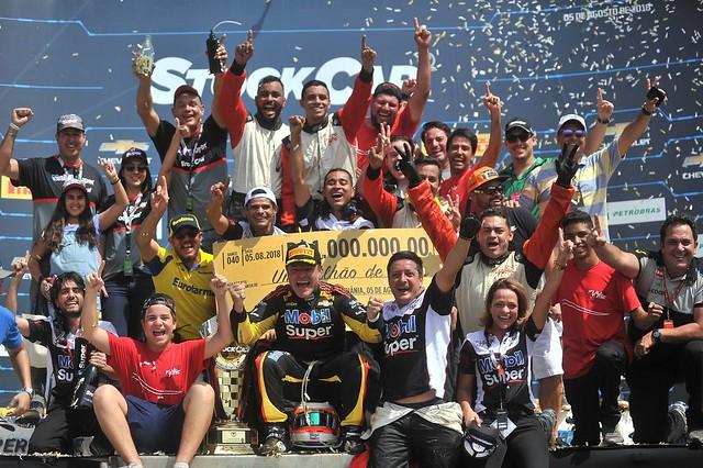 Festa de Rubens Barrichello, Nikon D3S, AF-S VR Zoom-Nikkor 70-200mm f/2.8G IF-ED
