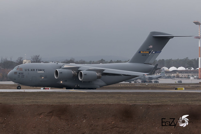 04-4132 United States Air Force Boeing C-17A Globemaster III