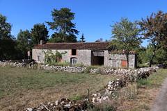 Bach - Belle grange (bourg) - Photo of Belmont-Sainte-Foi