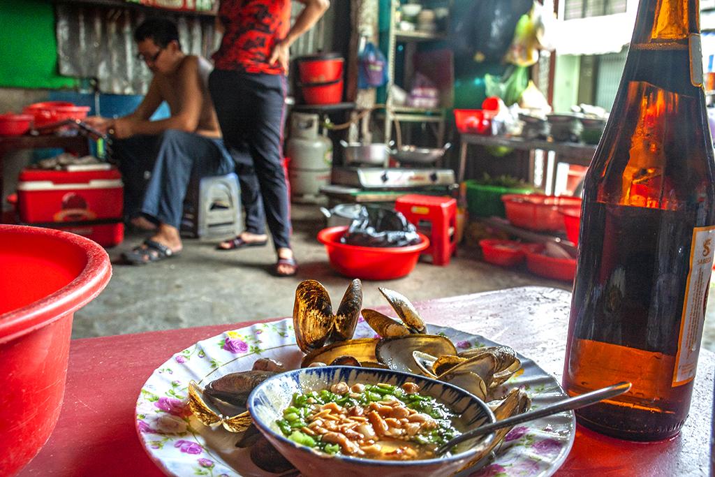 Mussels and Saigon Red--Saigon