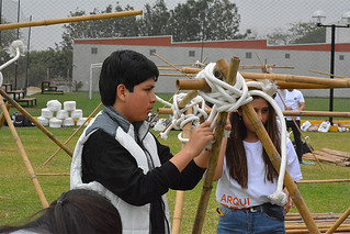 """Con la finalidad de que los futuros universitarios confirmen su vocación por el diseño y la construcción, la Facultad de Arquitectura USIL organizó el taller """"Construye tu refugio""""."""