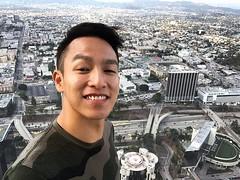 居高臨下看看幅員廣闊的洛杉磯,其實就是模擬城市的真實版啊!要增值地價要到西岸海邊囉~ 【浪遊旅人】https://ift.tt/1zmJ36B #backpackerjim #SimCity #OUE #skyspace #downtown #losangeles #usa #america