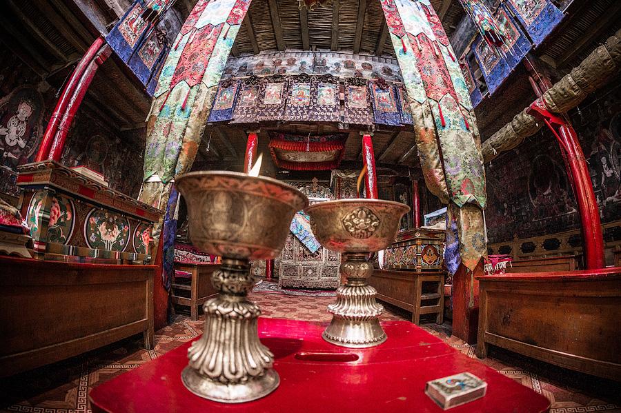 Молитвенный зал монастыря Пьянг © Kartzon Dream - авторские туры в Гималаи, тревел фото