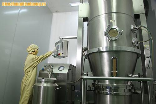 Hình ảnh máy phun sấy sản xuất tpcn Hộ Tạng Đường