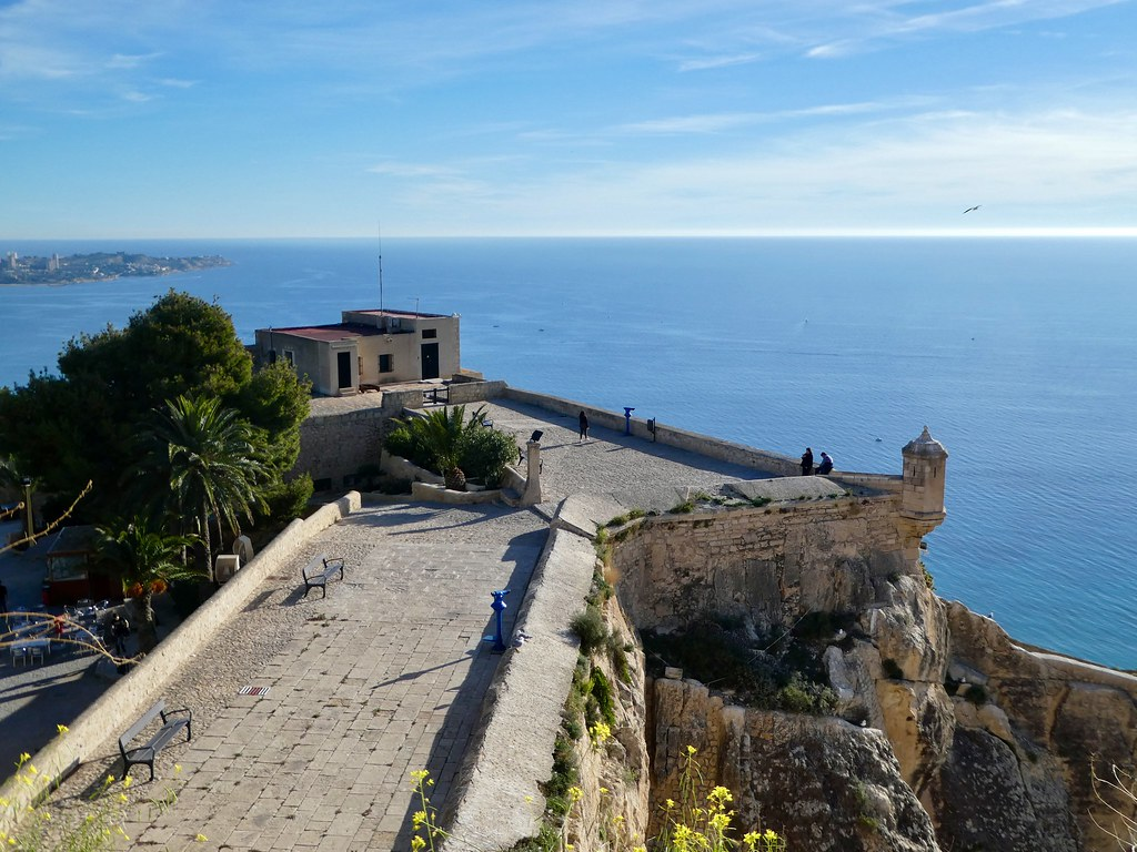 Viewpoints from the Santa Barbara Castle, Alicante