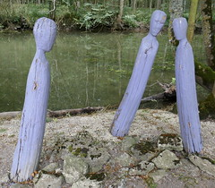 Wooden Figures - Photo of Lozay