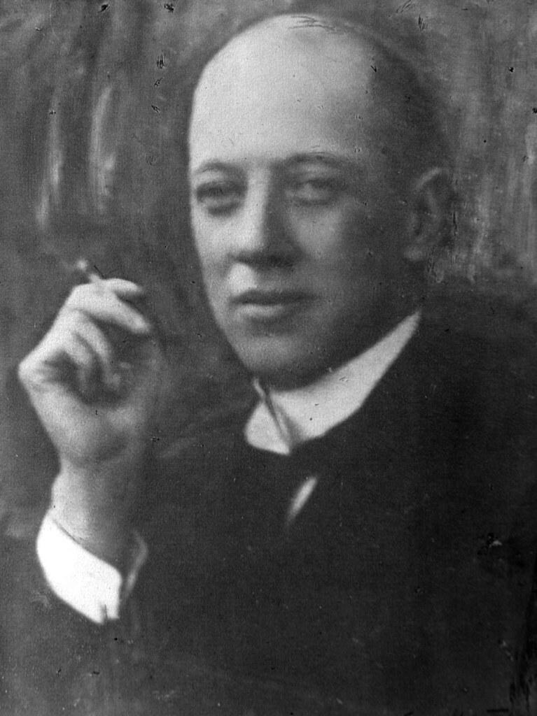 Николай Гумилев. 1910-е.