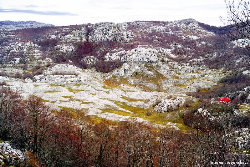 Вид на долину и Дом за Вратлом