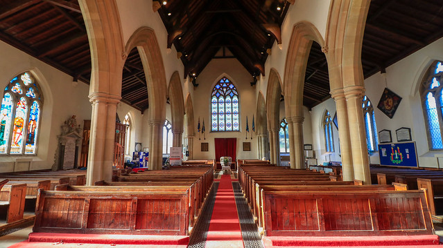 Inside Ringwood church., Canon EOS 80D, Canon EF-S 10-18mm f/4.5-5.6 IS STM