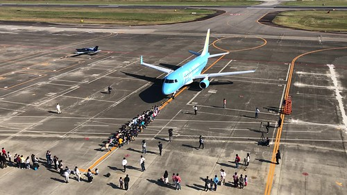 名古屋空港『空の日』フェスタ2018 飛行機と綱引き B5761642-656A-47A4-AE79-92CC27D36562