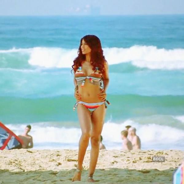 Bikini Evolution - Bollywood actress in Bikini or Swimwear - fashionflavours.com 2000s (3)